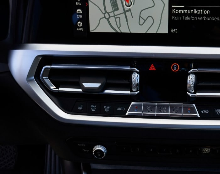 Pembersihan Sirkulasi Udara Mobil BMW